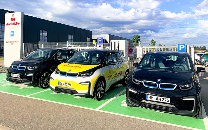 e-mobility Alois-Müller-Gruppe. Drei BMW an der Ladestation Ungerhausen