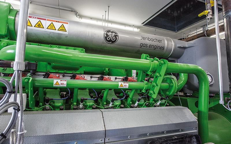 Anlage mit einer Kraft-Wärme-Kälte-Kopplung, kurz KWKK