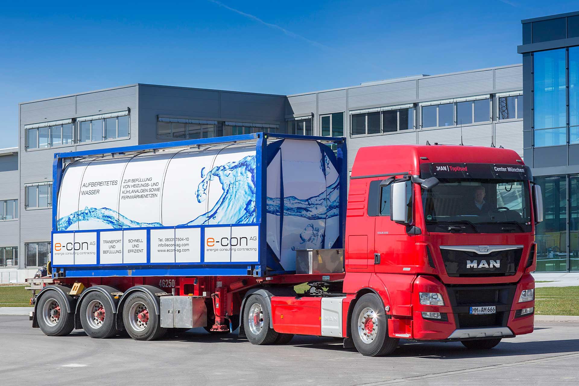Truck für den Transport von aufbereitetem Wasser, wie Vollentsalztes Wasser - kurz VE.